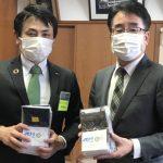 八女市&広川町の小学生へ久留米絣マスク&除菌液の贈呈